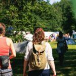 Anreise und Eingang zu SOMMERJUNG, dem Ferienlager für Erwachsene