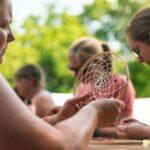 Traumfänger basteln bei SOMMERJUNG, dem Ferienlager für Erwachsene