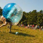 Buuble Soccer und Bubbleball bei SOMMERJUNG, dem Ferienlager für Erwachsene