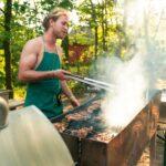 Grillen und Barbecue bei SOMMERJUNG, dem Ferienlager für Erwachsene