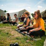 Yoga und Meditation bei SOMMERJUNG, dem Ferienlager für Erwachsene