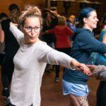 Tanzkurs bei SOMMERJUNG, dem Ferienlager für Erwachsene